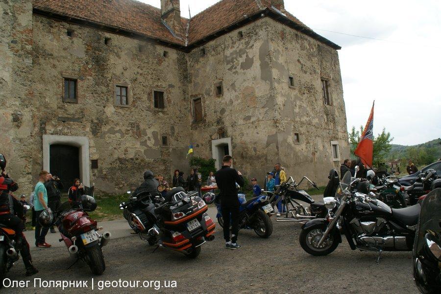 Слет байкеров в замок Сент Миклош